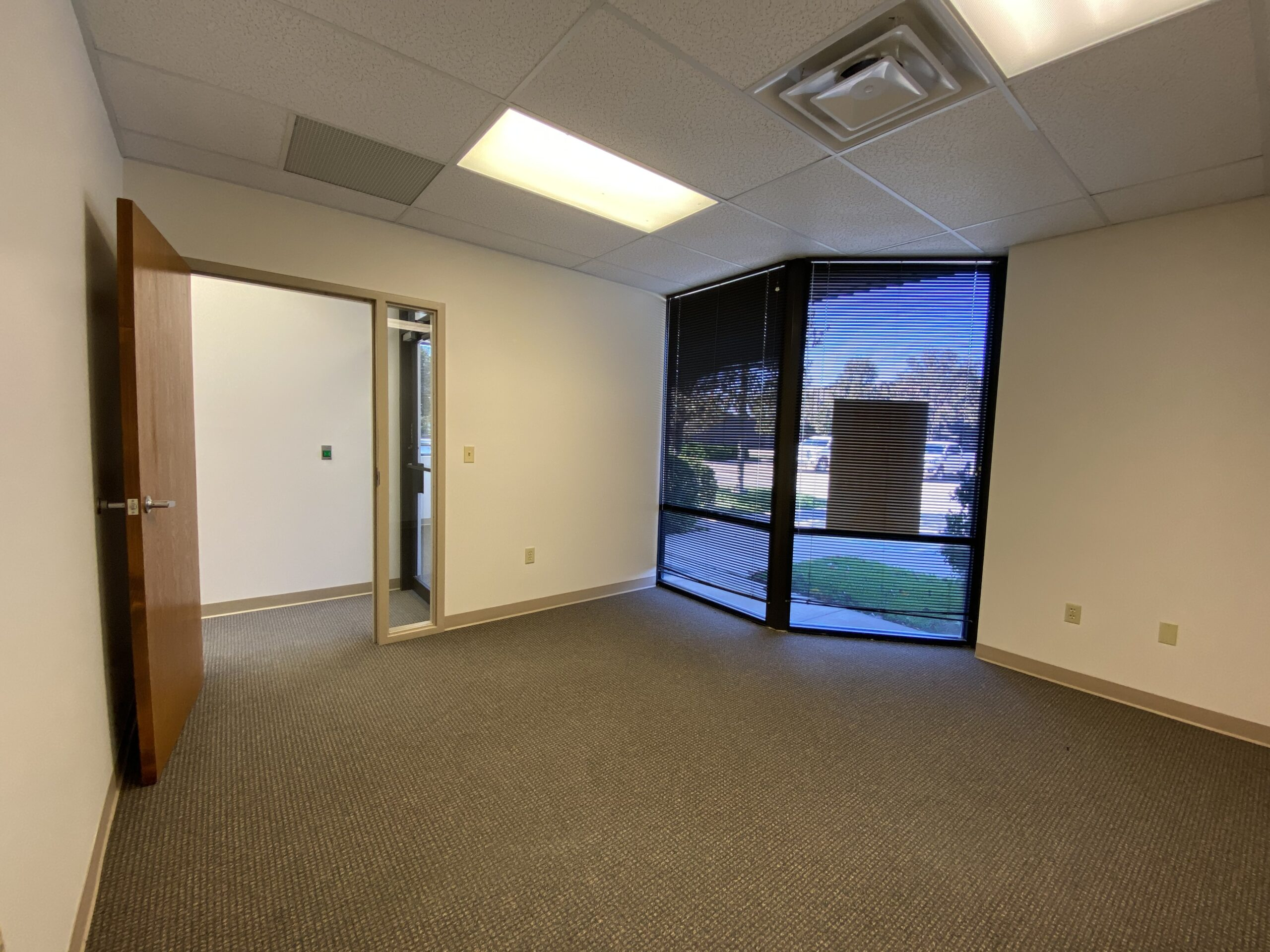 Northrock Business Park Suite 1801